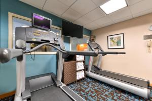 Fairfield Inn and Suites by Marriott Elk Grove, Hotels  Elk Grove - big - 18