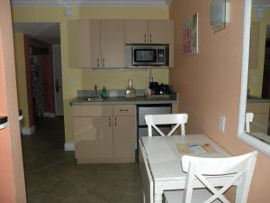 Studio Room with Kitchenette