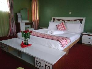 Royal Palatial Gardens, Guest houses  Nairobi - big - 1