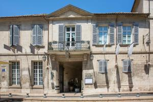 12 place Crillon, Avignon, 84000, France.