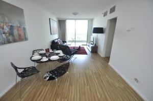 Sydney CBD Self-Contained Modern One-Bedroom Apartment (4606 PT)