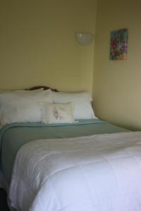 Double Room with Private Bathroom - Room 08
