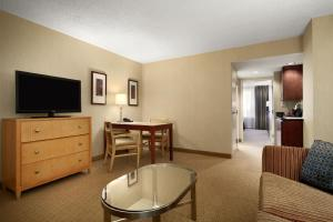 Premium Suite with Two Double Beds