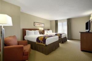 Double Suite with Two Double Beds - Corner Room - Non-Smoking