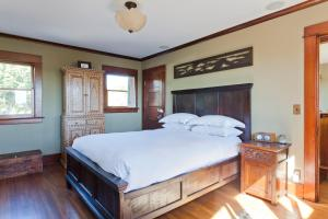 Two-Bedroom Home - Ashland Avenue