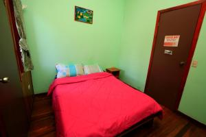 Double Room with Private Bathroom 12