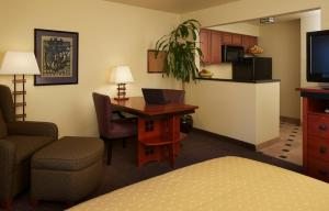 Studio Suite with Queen Bed - Disability Access