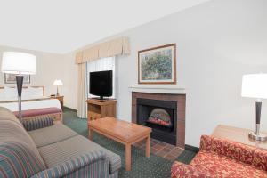Queen Suite with Sofa Bed - Disability Access - Non-Smoking