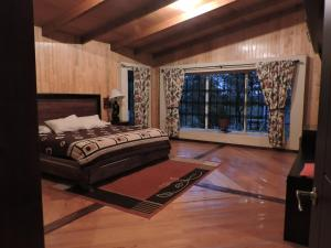 Deluxe Cottage (10 Adults)