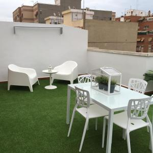 Flatsforyou Port Design, Apartments  Valencia - big - 98