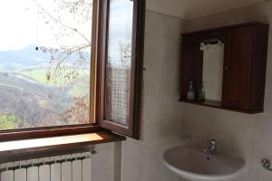 Country House La Valle Del Vento, Ferienhöfe  Urbino - big - 66