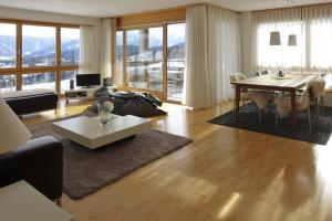 Heidi-Immo Carschun, Appartamenti  Flims - big - 6