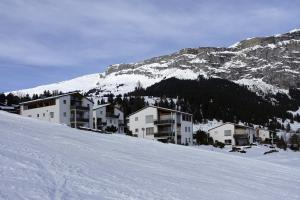 Heidi-Immo Carschun, Appartamenti  Flims - big - 1