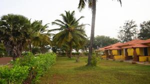 Lamour Beach Resort