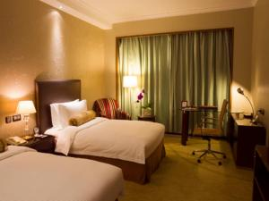 Deluxe Room with Two Single Beds (2 Adults)