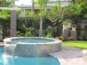 Three-Bedroom House with Private Pool