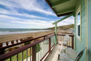 Superior King Room with Ocean View - Beachfront