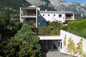 Heidi-Immo Casa Miro 6, Apartments  Flims - big - 2