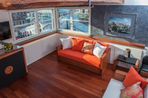 Luxury One-Bedroom Apartment with View  - no smoking