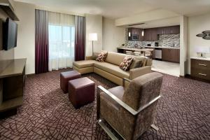 Executive Suite, 2 Bedroom Larger Suite