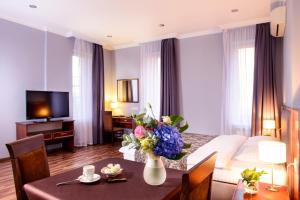 Отель Greguar Hotel & Apartments, Киев