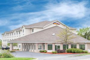 """Baymont Inn and Suites Freeport"""