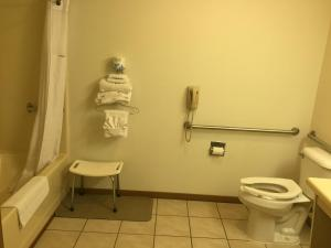 Queen Room - Disability Access - Non-Smoking