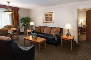 Standard King Suite with Sofa Bed
