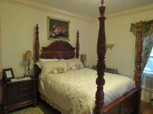 Marguerite Room
