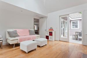 Three-Bedroom Apartment - Topsail Street
