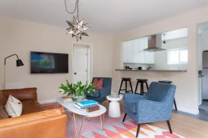 Three-Bedroom Apartment - 6th Avenue Garden Flat