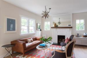 Two-Bedroom Home - 6th Avenue Cottage