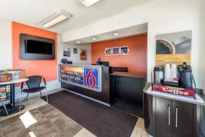 Motel 6 Reno Airport - Sparks, Hotely  Reno - big - 17