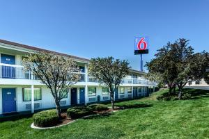Motel 6 Reno Airport - Sparks, Hotely  Reno - big - 16