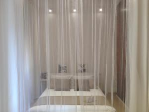 White Apartment in San Giovanni - abcRoma.com