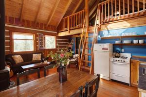 One-Bedroom Cottage with Loft - Unit T