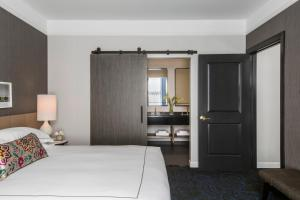 One-Bedroom Suite - Hearing Accessible