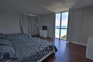 Premier Two-Bedroom Apartment with Ocean View