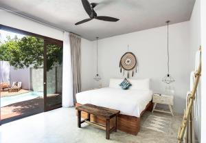 King Room - Jungle and Pool View