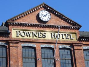 Photo of Fownes Hotel