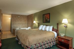 King Room with Jacuzzi Select- Ground Level