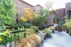 Three-Bedroom Apartment - Cobble Hill Park