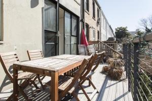 Three-Bedroom Apartment - Douglass Street Townhouse