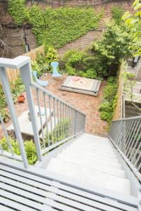 Three-Bedroom Apartment - Hoyt Townhouse