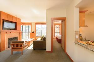 Two Bedroom Mountain View Suite