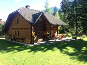 Holiday house By the forest, Holiday homes  Gozd Martuljek - big - 19