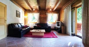 Holiday house By the forest, Holiday homes  Gozd Martuljek - big - 28
