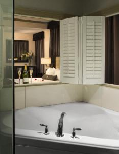 Premium King Room with Spa Bath