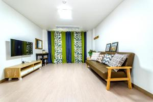 Dorami Pension, Case vacanze  Seogwipo - big - 2