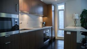 Corporate Ryan Suites DT Toronto, Aparthotels  Toronto - big - 2
